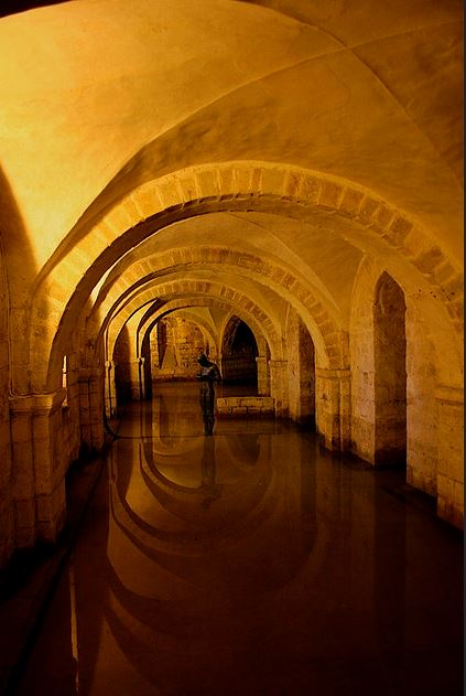 flooded crypt by rsambrook